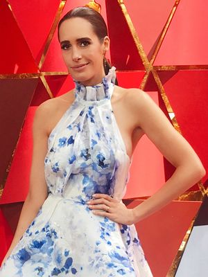 Louise Roe Wore the Perfect $120 Sandals on the Oscars Red Carpet