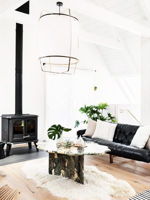9 Minimalist Living Rooms That Will Inspire Your Spring-Cleaning Efforts