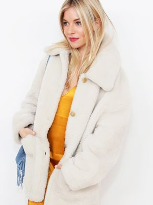 Sienna Miller Just Wore a Pair of £109 Jeans From This Old Cowboy Brand