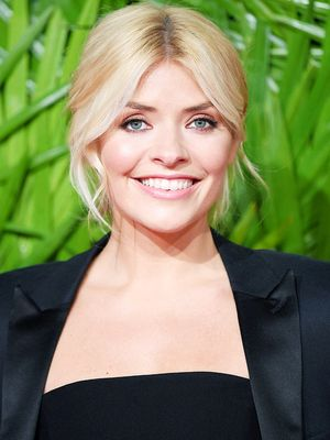 Holly Willoughby Shares My Love for This Glossier Product