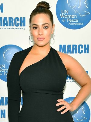Ashley Graham's Red Carpet LBD Is a Best Seller (and We Can See Why)