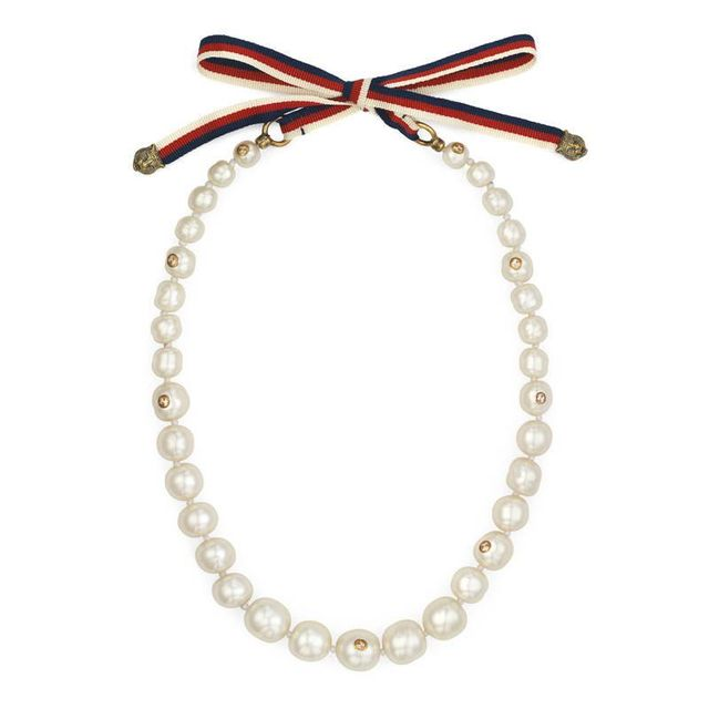 Pearl necklace with Sylvie Web
