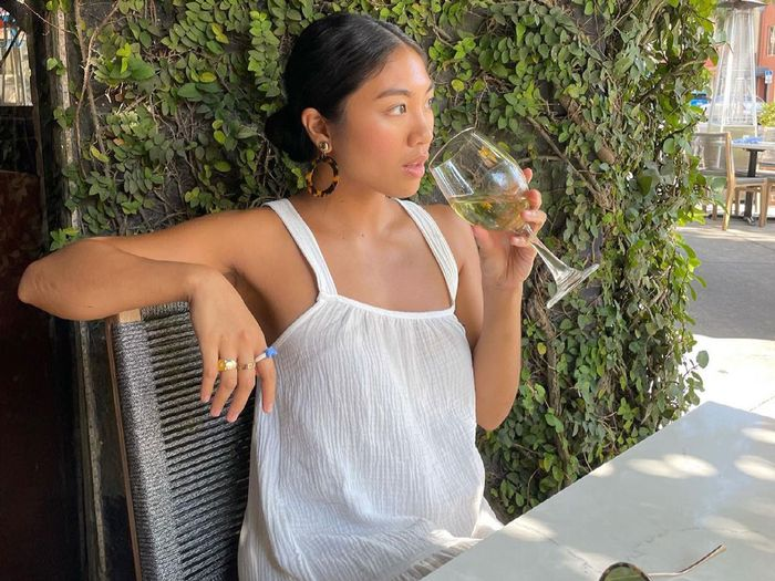 what to wear to wine tasting