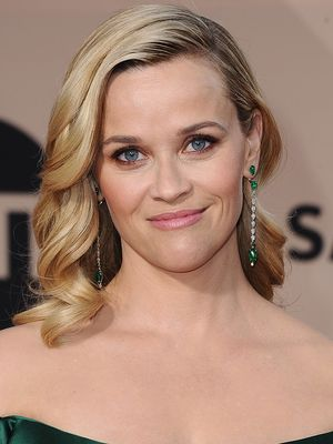 Reese Witherspoon Proves That One Affordable Item Can Update Your Living Room