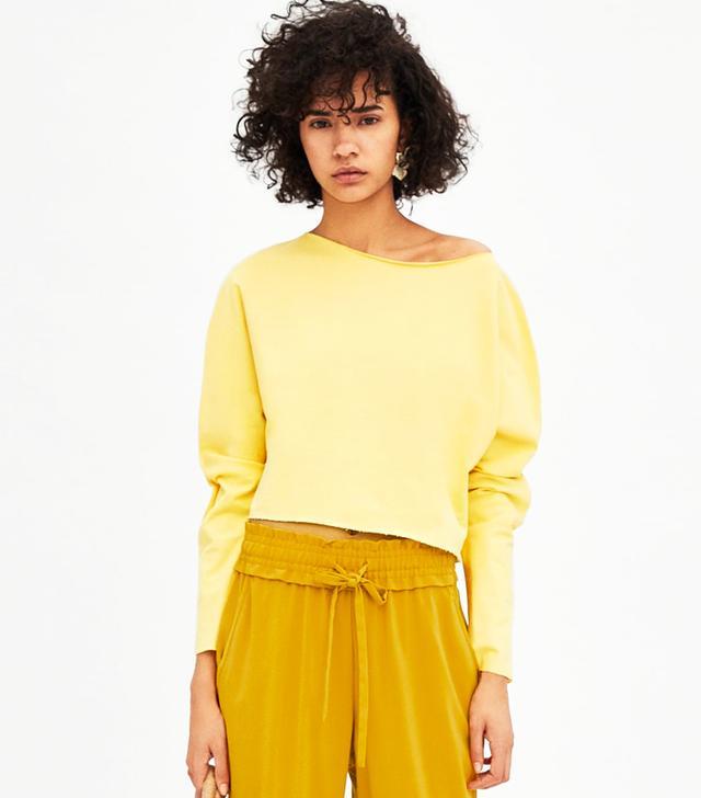generation z yellow: Zara Long Sleeve Crop Sweatshirt