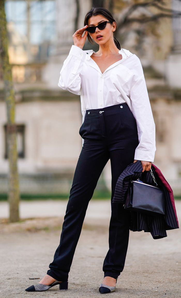 How to look rich: white shirt and black jeans and Chanel pumps