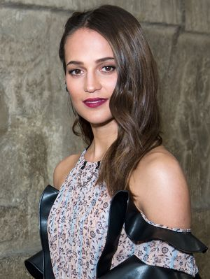 Alicia Vikander Gained Five Kilos of Muscle for Her Tomb Raider Role—Here's How