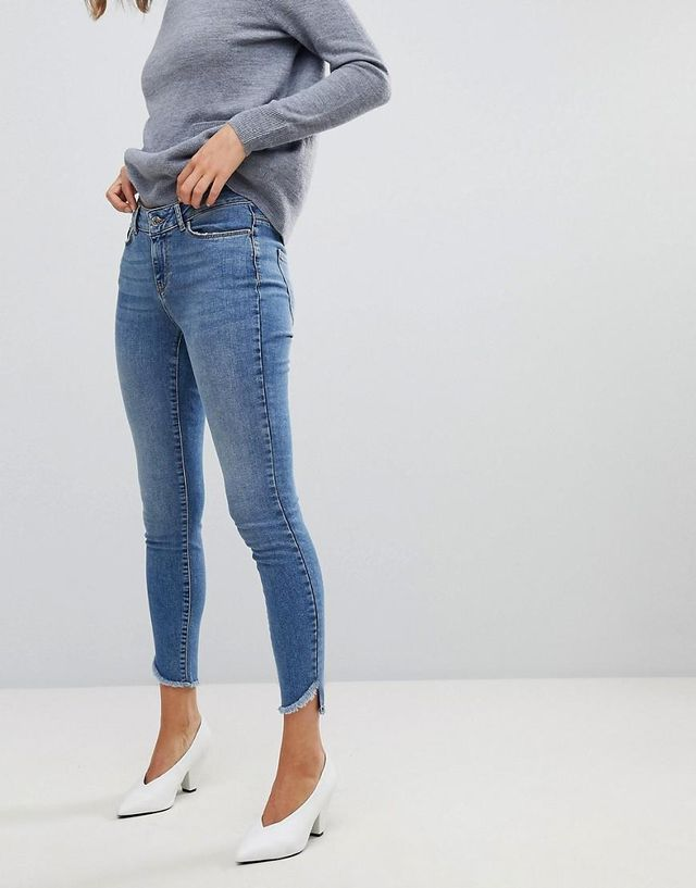 Skinny Jean With Raw Hem