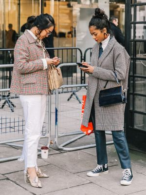 5 Easy Tricks for Selling Your Clothes Online