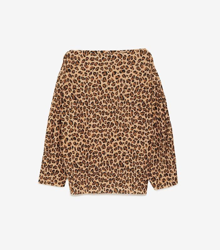 best zara t-shirts: Zara Pleated Leopard Print T-shirt