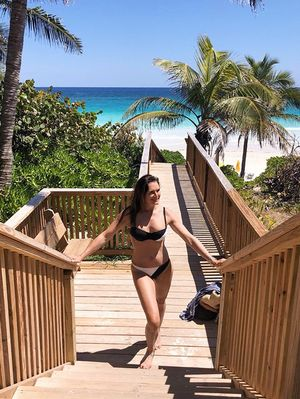 Instagram's Best Bikini Award Goes to Brooke Shields