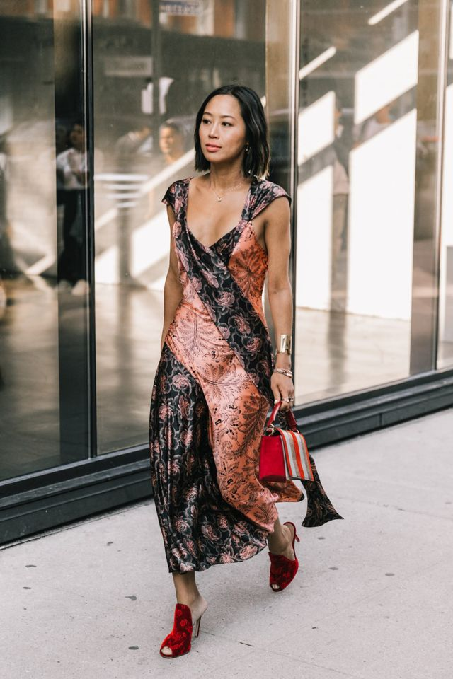 how to dress for a black tie wedding in the spring