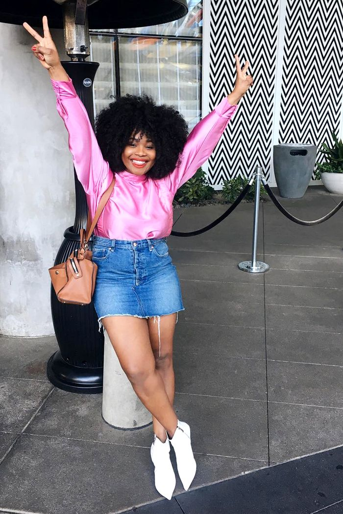 7 Cool Jean Skirt Outfits for Spring
