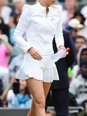 This Is What a Fashion Editor Wears to Play Tennis