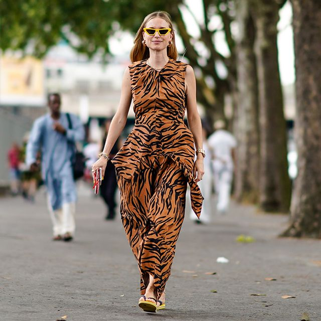 The Lazy-Girl Sandals That Somehow Made It Onto the Paris Street Style Scene