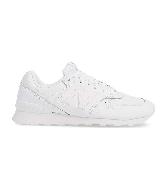696 Sneaker