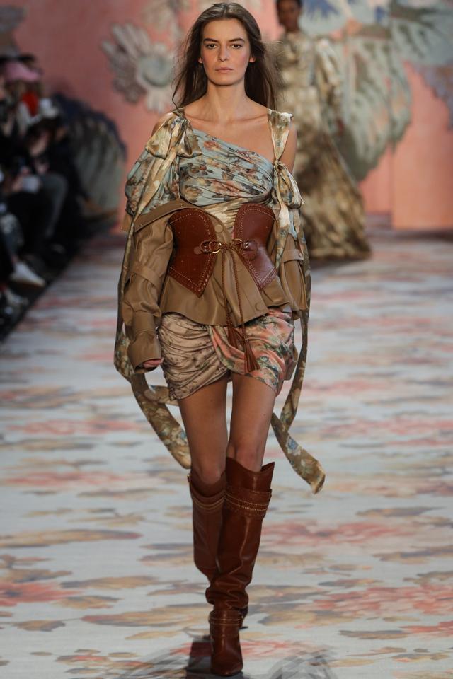 Zimmermann Fall 2018 brown corset belt runway