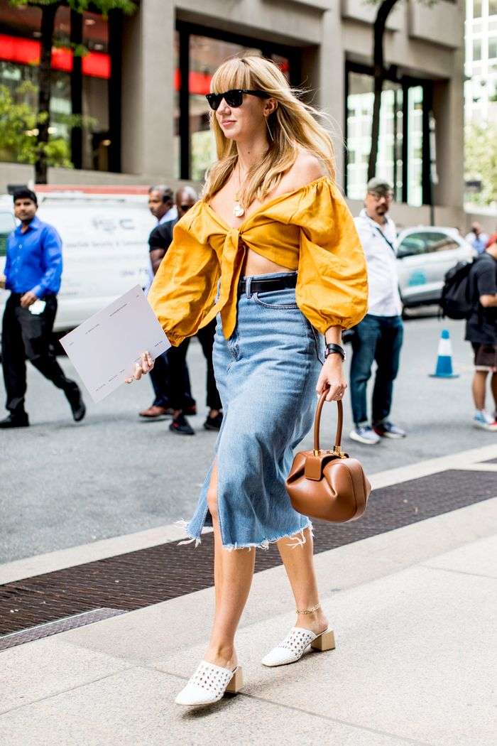 skirt style that goes with white heels
