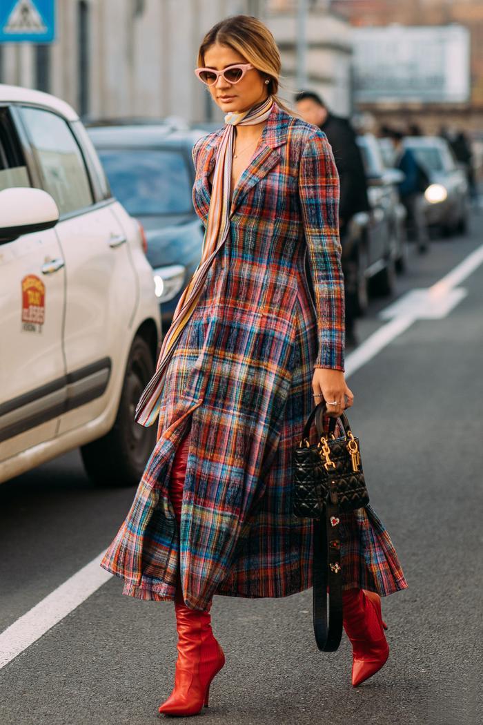 wear a scarf with a dress
