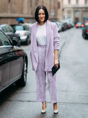 What to Wear to Work When the Temperatures Start to Rise