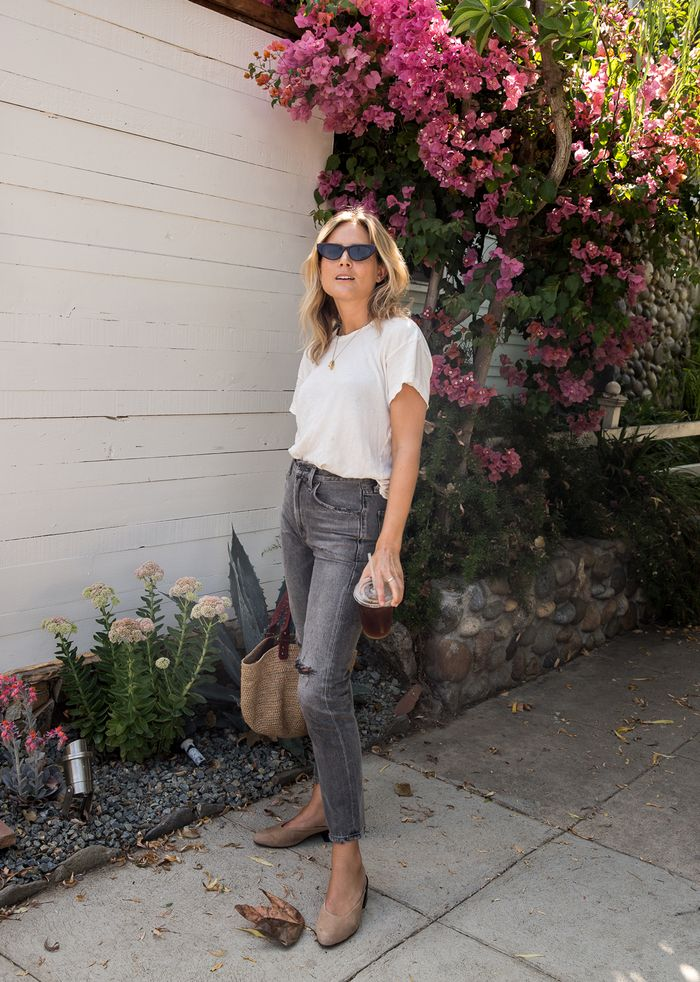 Lazy day outfits: Lucy Williams in jeans and T-shirt