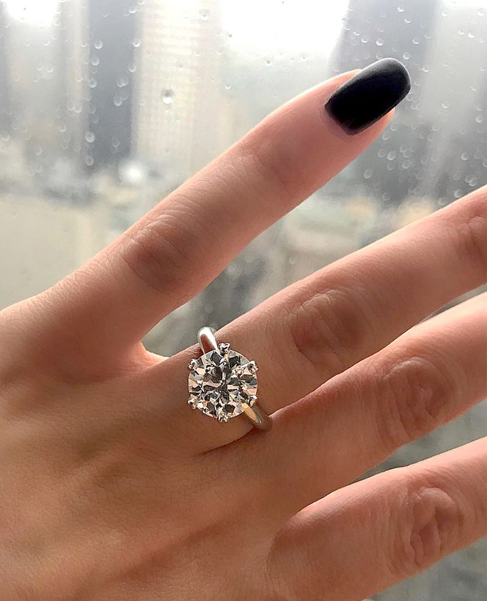 13 Solitaire Diamond Engagement Rings On Different Hands Who What Wear
