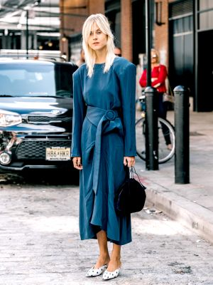 Exactly Which Color Shoes to Wear With Every Navy Dress Style