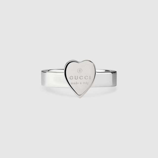 Heart ring with Gucci trademark
