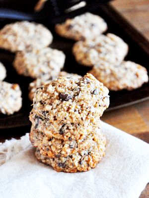 These Are the Best Low-Carb Cookies to Make for a Healthy-ish Treat