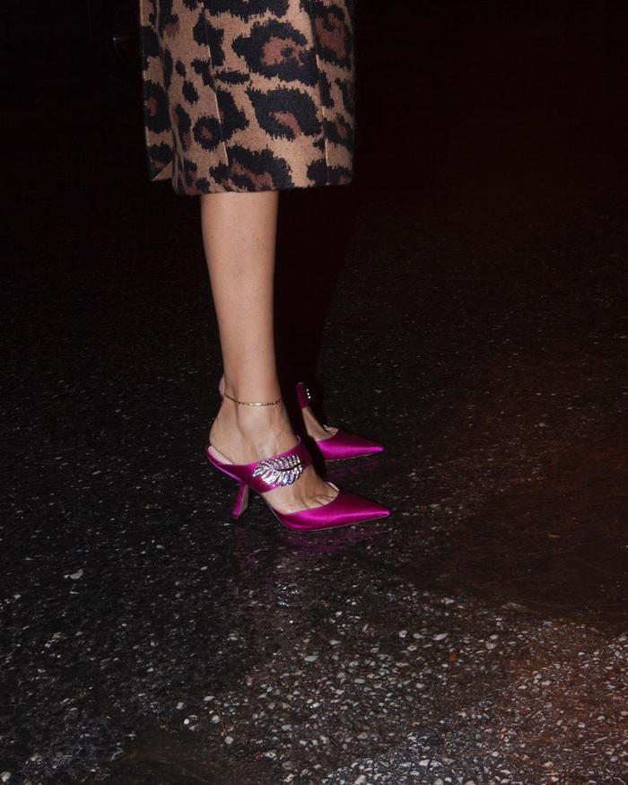 2020 winter shoe trends: hot pink