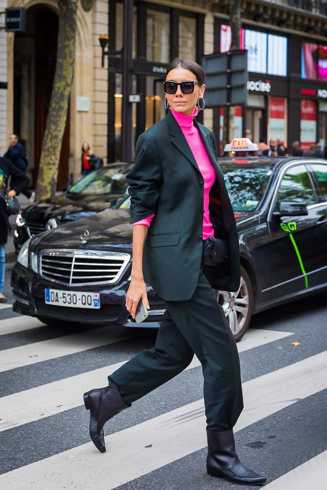 Black suit street style