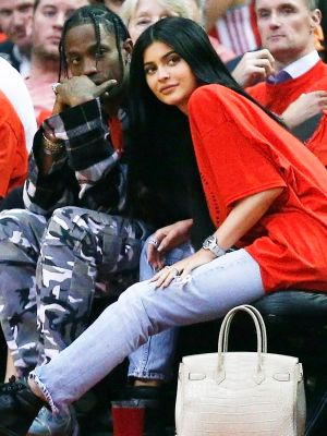 Kylie Jenner and Travis Scott's New Photo Got 1 Million Likes in 12 Minutes