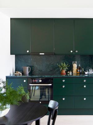 11 Enviable Green Marble Ideas to Steal