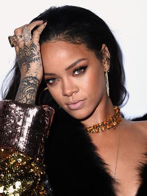 8 Beauty Secrets We Learned From Rihanna's Makeup Tutorial