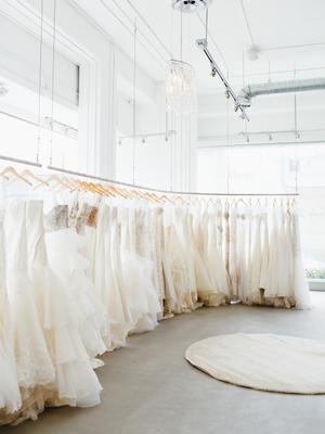 8 Expert Tips for a Wedding Dress Sample Sale