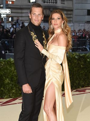 16 Power Couples Who Owned the Met Gala Red Carpet