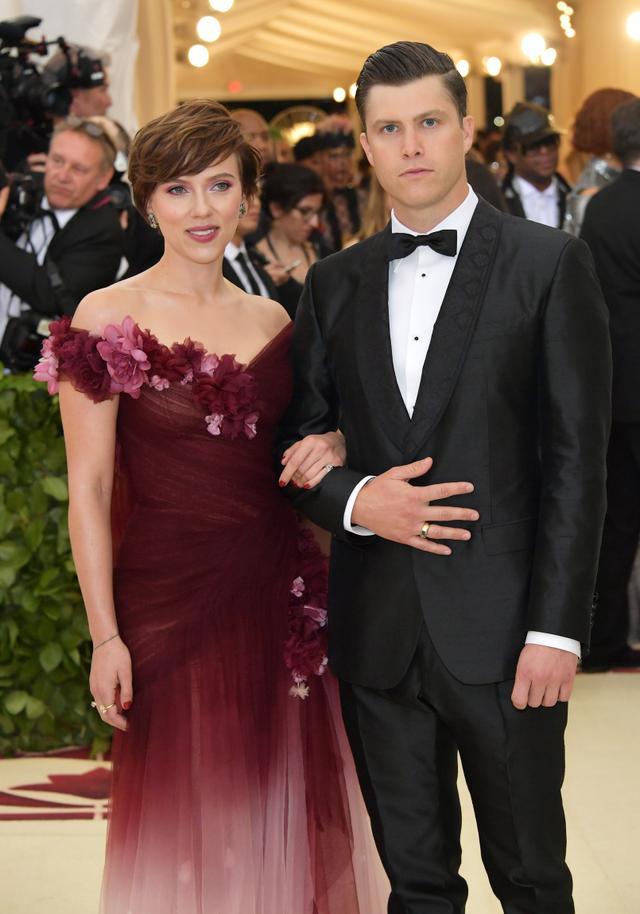 Scarlett Johansson and Colin Jos.