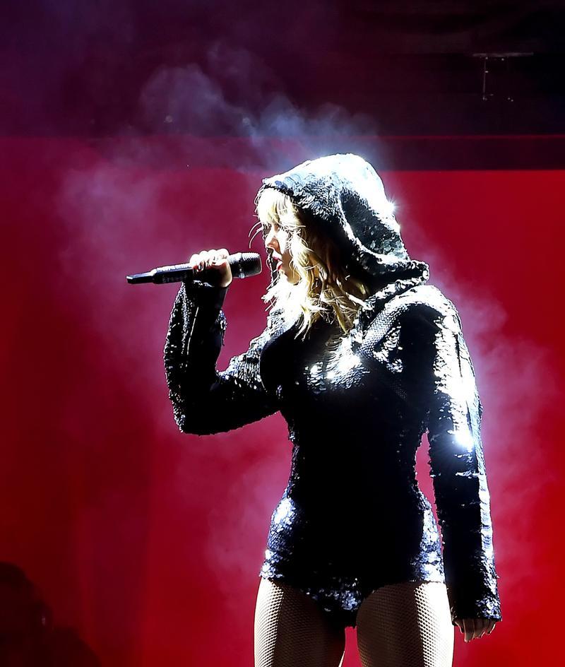 Singer Camila Cabello Series of Shoulder-Length Short-Sleeved Summer Fake Two Hoodies