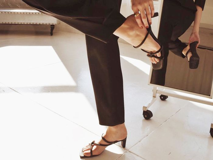 '90s strappy sandals