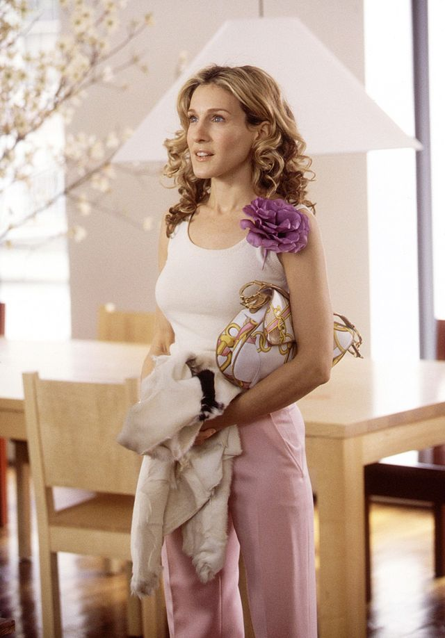 Carrie Bradshaw summer style Dior saddle bag