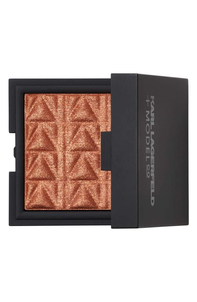 Karl Lagerfeld + ModelCo Kiss Me Karl Luxe Highlight & Glow in Bronze