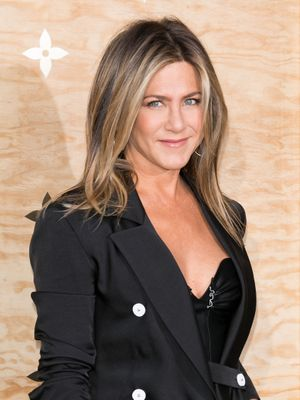 """Jennifer Aniston Swears By This $24 Amazon Steal for """"Glowing"""" Skin"""