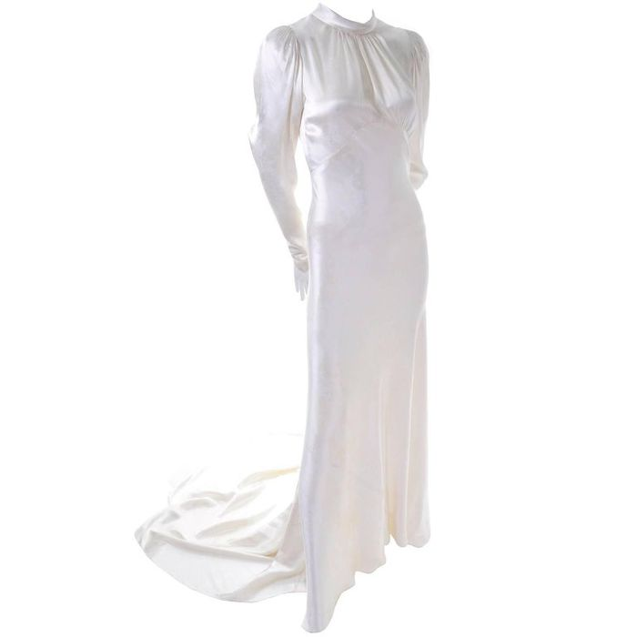 The Best Places to Buy Vintage Wedding Dresses | Who What Wear