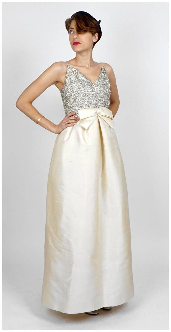 The Best Places To Buy Vintage Wedding Dresses Who What Wear