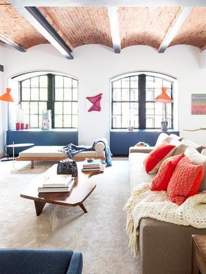 The 7 Furniture Arranging Mistakes Interior Designers Always Notice