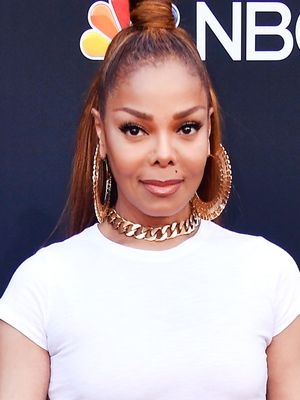 The Super-Affordable Basic Janet Jackson Wore to the Billboard Music Awards