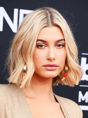 This Is Why Hailey Baldwin's Skin Looked So Glowy at the Billboard Music Awards