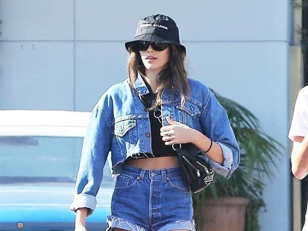 bucket hat Kaia Gerber