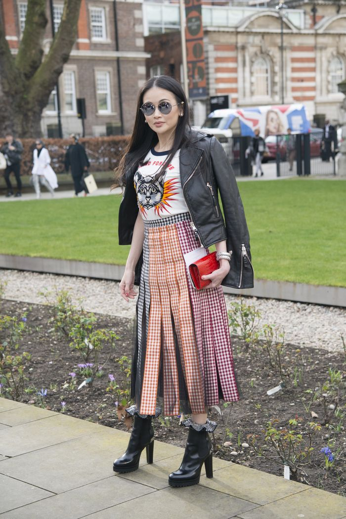 Gucci T-shirt with a midi skirt