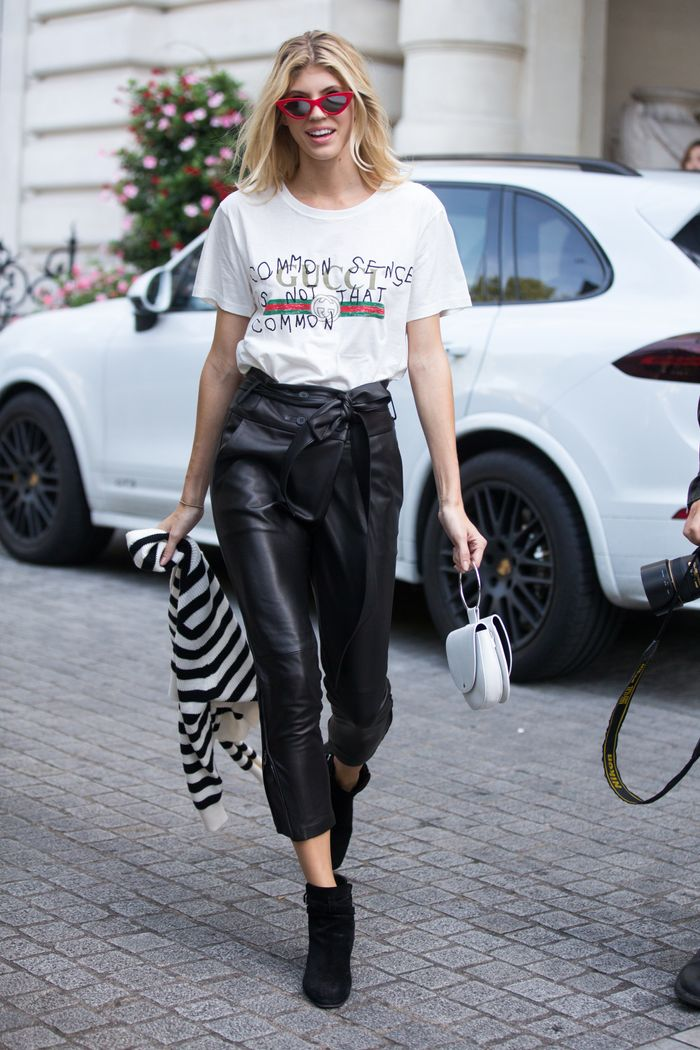 Gucci T-shirt with paper-bag-waist pants